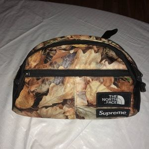 Supreme x the north face fanny pack